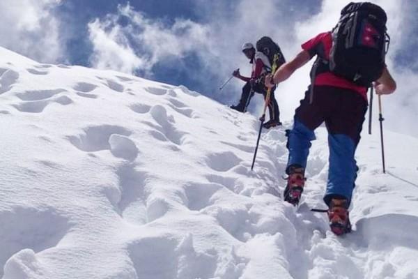 climbing mera peak 6,470 meter